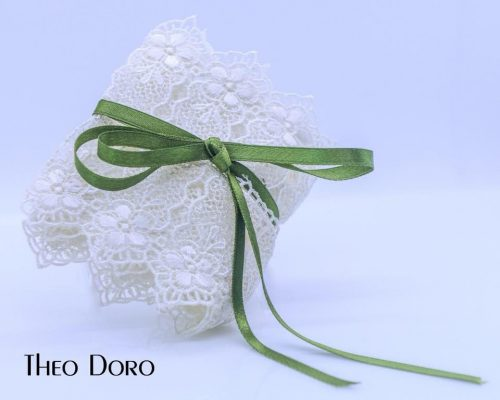 French Lace Favor with Green Silk Bow Baptism Bobonieres